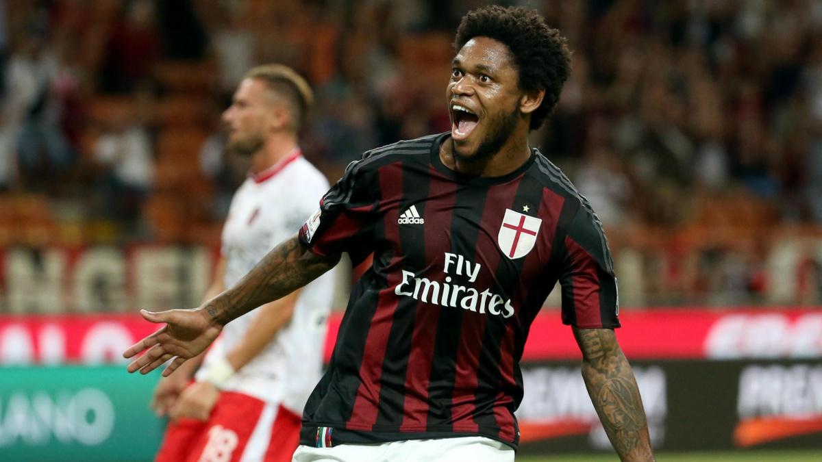 Inside the Sale of Milan Striker Luiz Adriano To China – AC Milan